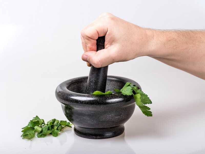 Петрушка — рецепты и применение растения в народной медицине