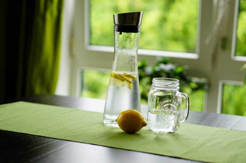 Выпитая натощак витаминная вода зарядит вас энергией на весь день