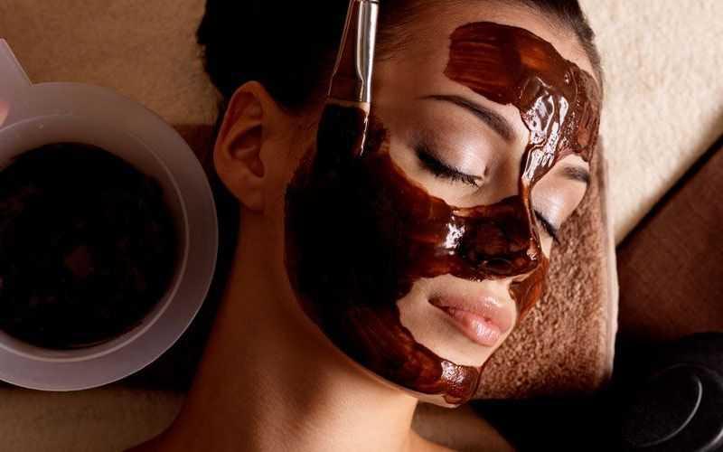 Польза шоколадных масок для лица, как сделать в домашних условиях