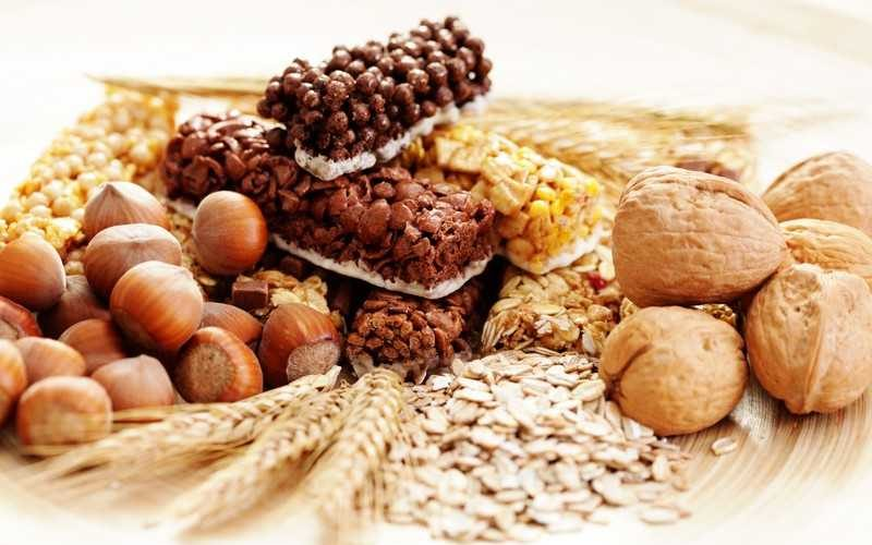 В каких продуктах содержится клетчатка, свойства,  дневная норма
