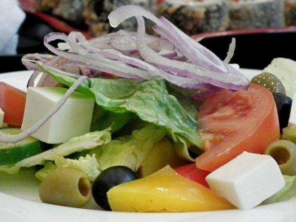 Рецепты низкокалорийных диетических салатов, простых и вкусных