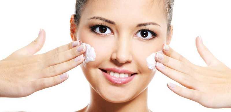 Увлажняйте лицо кремом