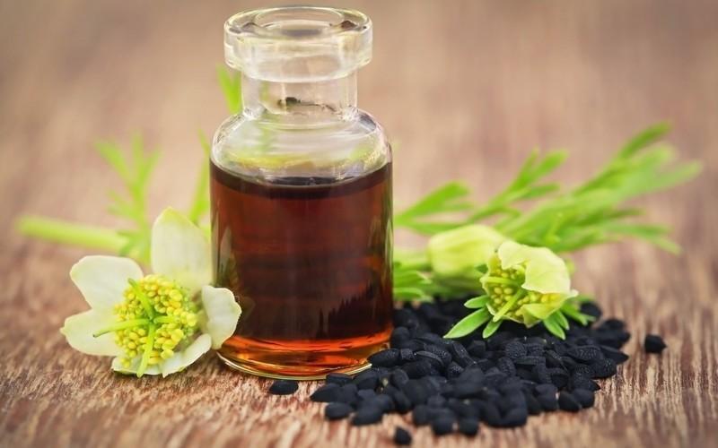 Масло черного тмина относится к базовым жирным маслам