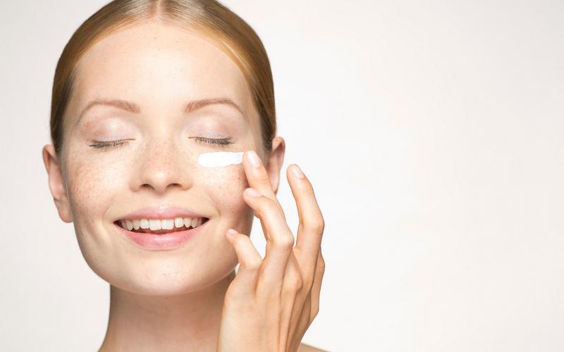 Обзор лучших кремов от морщин вокруг глаз после 40 лет