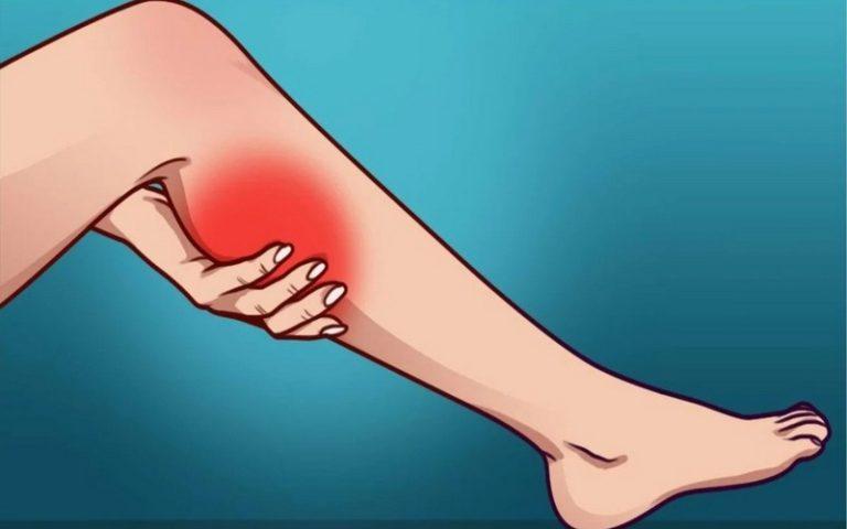 Почему сводит ноги судорогой по ночам у женщин, как быстро снять и чем лечить